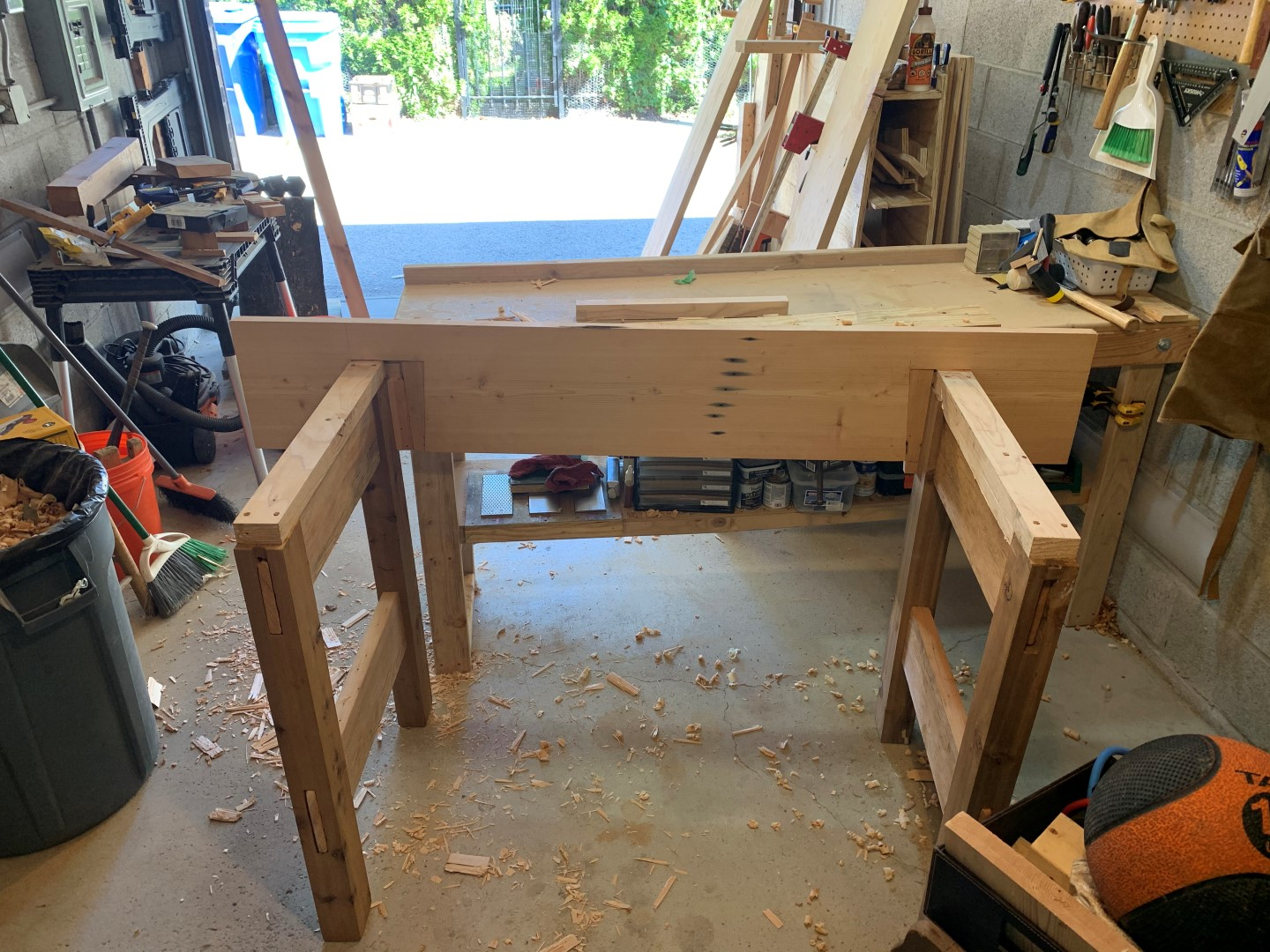 jelster-workbench-construction-1749