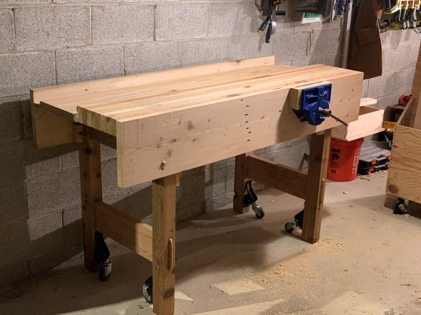 jelster-workbench-construction-1773